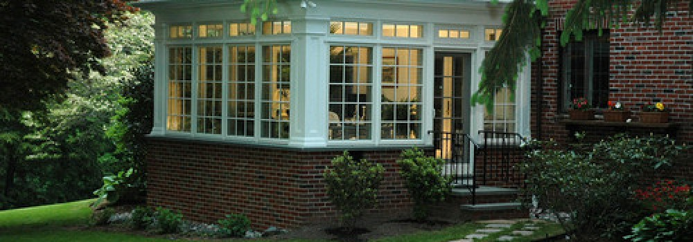 The Difference Between a Sunroom and Solarium