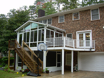 Sunroom With Bbq Deck